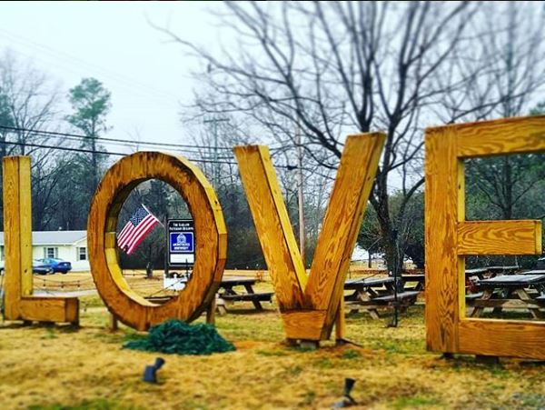 Love Sign at Montross Brewery